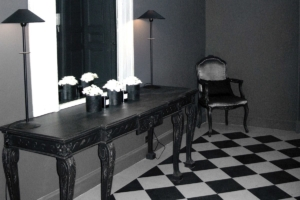 PARIS HALL TABLE & CHAIR